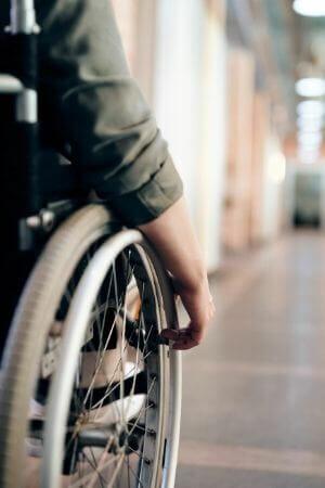 zdjęcie na blogu agencji pracy dla osób niepełnosprawnych. Rozmiar 300x450